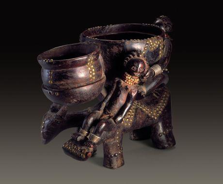 Bowl bearer. Luba. Felix Collection.